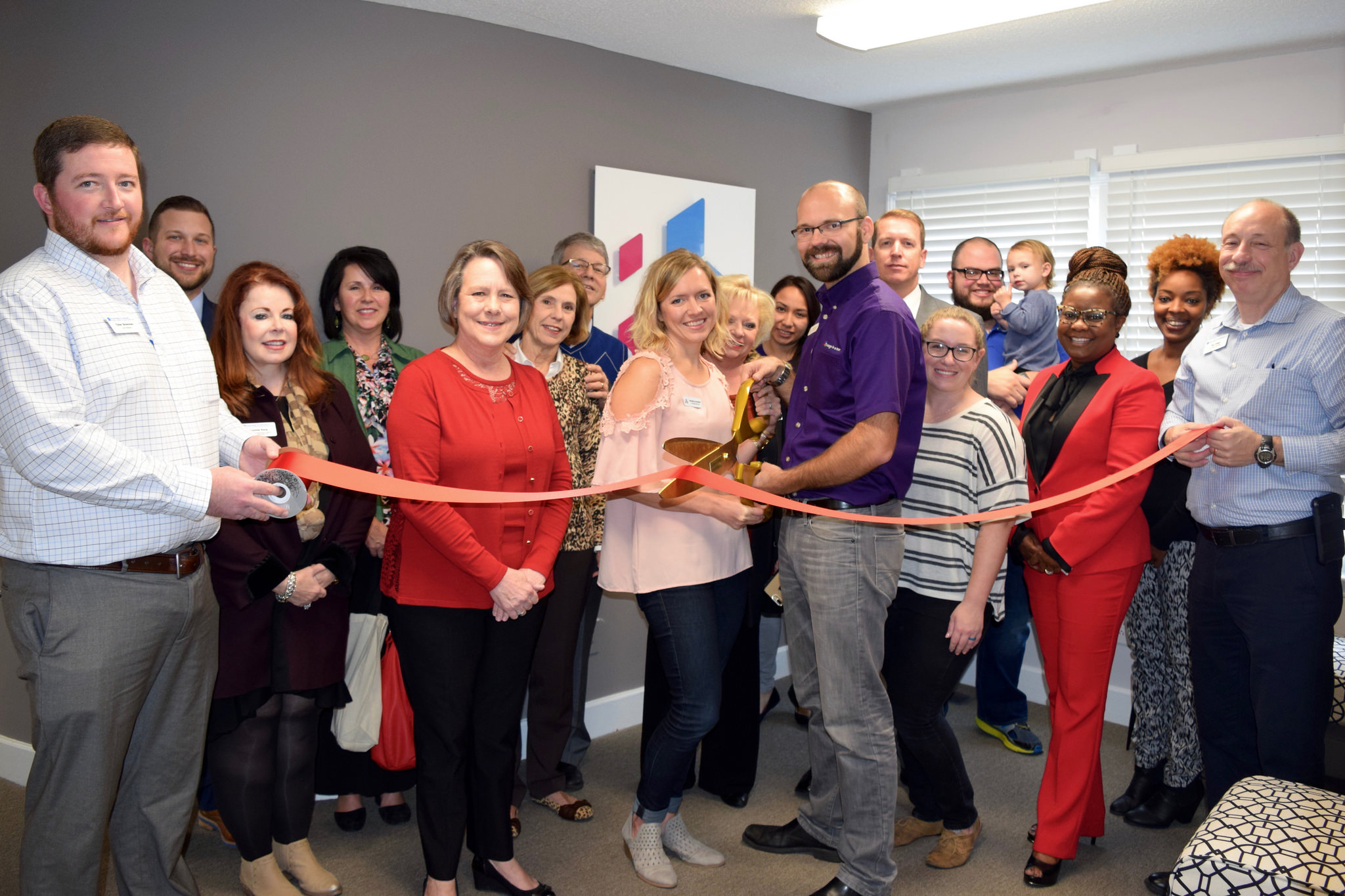 Featured image on Image in a Box Celebrates 5th Anniversary with Ribbon Cutting Event
