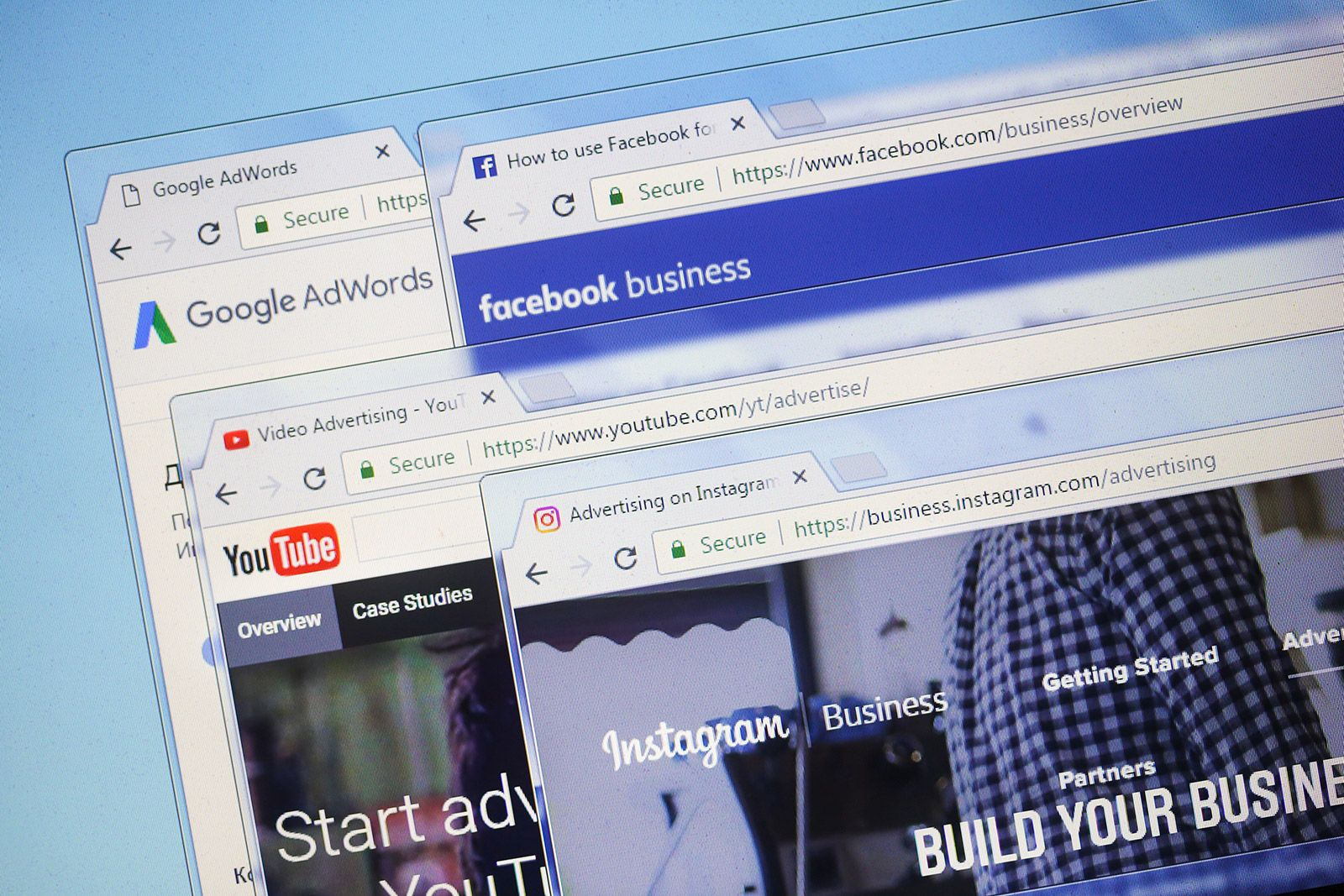 Featured image on Should You Use Search or Social Ads?